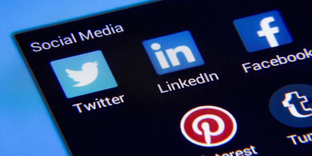 FEATURED How Pest Control Companies Can Use Social Media for Leads - How Pest Control Companies Can Use Social Media for Leads